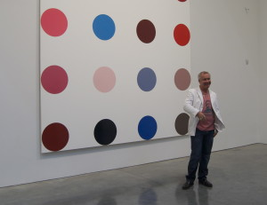 Damien_Hirst_Dots _ source Wikimedia_Commons